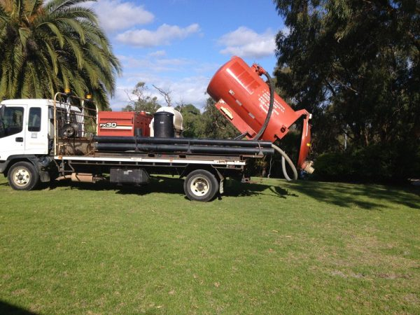 Ditch Witch FX30 Vacuum Recovery System 6
