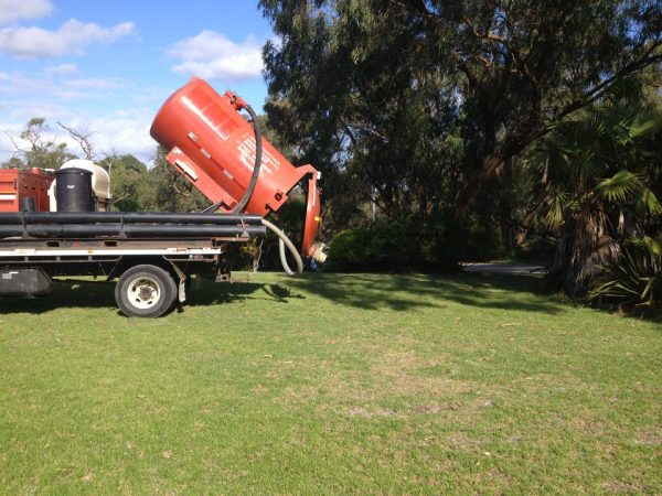 Ditch Witch FX30 Vacuum Recovery System 7