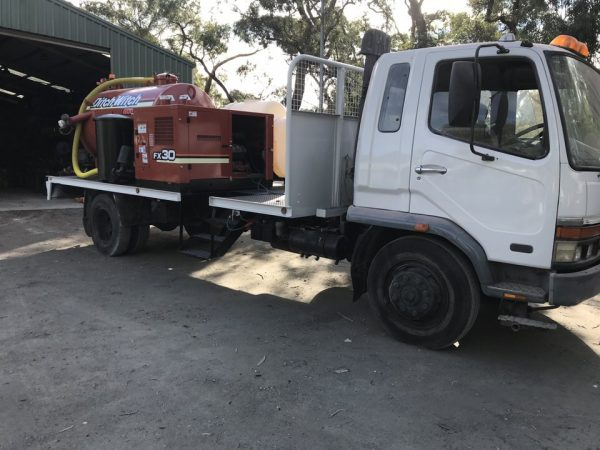 Mitsubishi FK600 with Ditch Witch FX30 Vacuum Excavation Unit 9