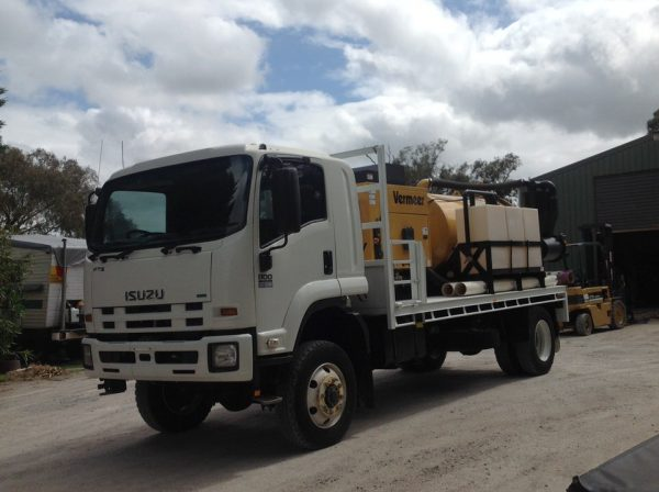 2012 Isuzu FTS800 with Vermeer SKV800HD 4