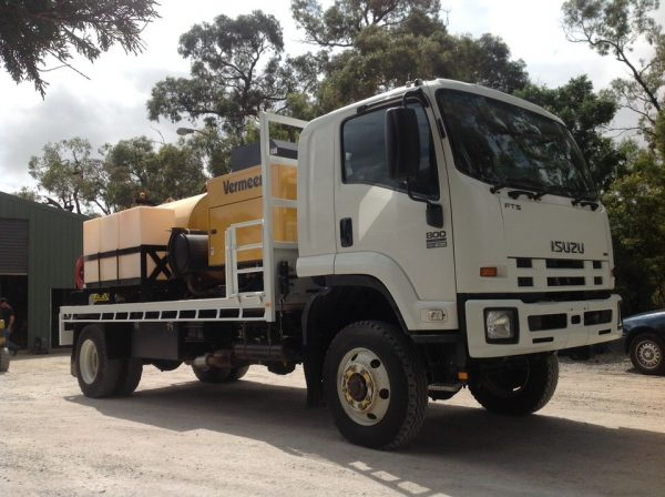 2012 Isuzu FTS800 with Vermeer SKV800HD 1