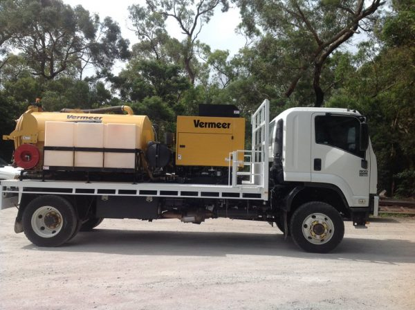 2012 Isuzu FTS800 with Vermeer SKV800HD 6