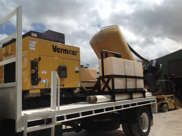 2012 Isuzu FTS800 with Vermeer SKV800HD 9